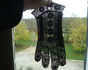 Vintage black lace gloves from 50s France - Free shipping