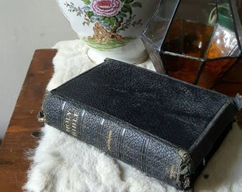 Antique Bible ~ 1930's illustrated leather bound Oxford Bible, beautiful colour pictures throughout