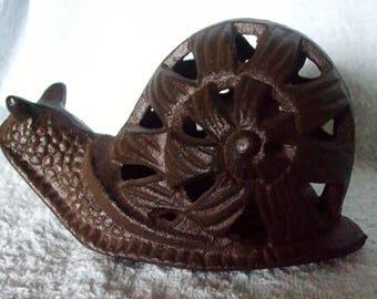 Unique Vintage Cast iron Snail Tea Light Garden Light Candle Holder Paperweight