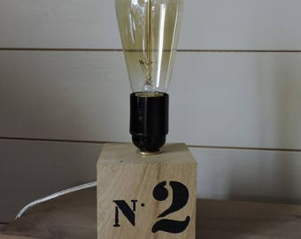 INDUSTRIAL STYLE LAMP.