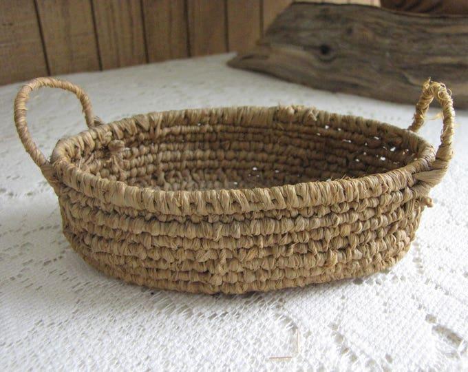 Small Oval Basket Tray Miniature Serving or Gathering Basket and Garden Trug Dollhouse or Trinket Baskets Vintage Baskets and Storage