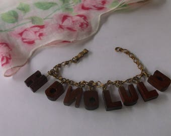 Vintage 1960s Honolulu Hawaii Charm Bracelet, Teak Wood Charm Braclelet, Wooden Tiki Honolulu Bracelet, Super Cool