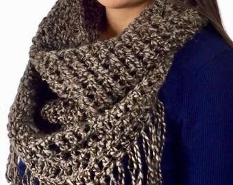 Chunky Cowl, Infinity Scarf, Crochet Cowl With Fringe, Super Soft Alpaca/Wool, Circle Scarf, Fall Fashion, Winter Fashion, Ready To Ship