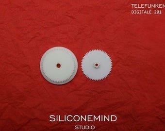 Set of 2 gears for TELEFUNKEN Digitale 201 flip clock.
