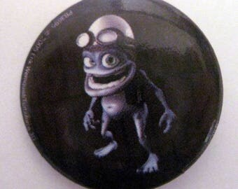 round badge rock 2, 5cms Crazy frog decoration custo clothes and bags