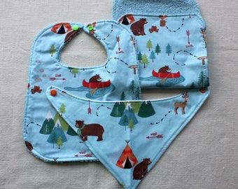 Bib set in Bear Camp fabric, 3 pieces.