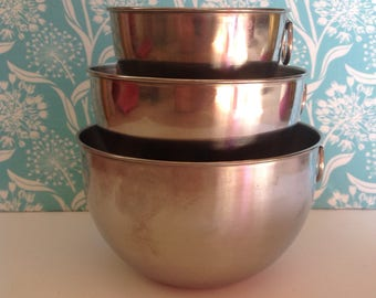 Revere Ware mixing bowl set, stainless steel mixing bowls, tabbed mixing bowls, nesting bowls, Revereware