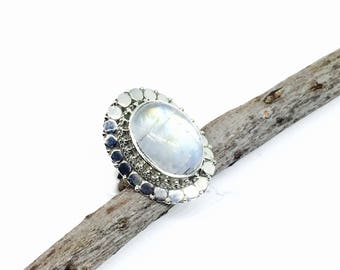 Rainbow moonstone ring set in Sterling silver 925. Size -6. Natural authentic rainbow moonstone .