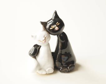 Unique Wedding Cake Topper, Cat Cake Topper, Wedding Cake Decor, Cat Couple, Kissing Cats, Handpainted Cake Topper, Ceramics and Pottery
