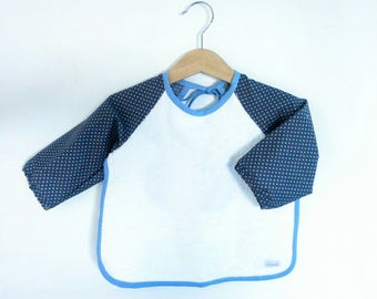 Bib / protects the shoulders for babies from 6 to 18 months, Terry cotton cotton print and white with blue dots - birthday gift