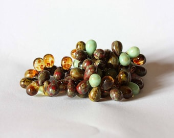 drops 25 Czech glass beads red green mix 6 x 9mm