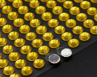 130 gold-plated rhinestones 6 mm gold