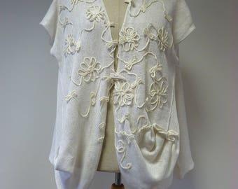 Artsy white linen vest, L size.
