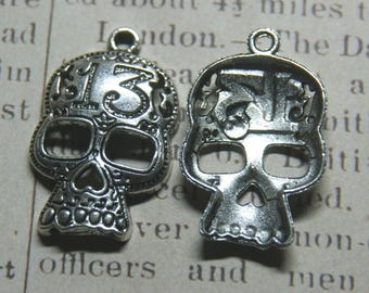 """Large skull charm Silver """"13"""" 39x25mm"""