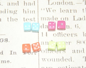 8 dice beads in multicolored 6mm acrylic