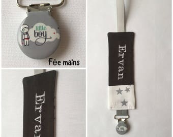 Pacifier clip in grey and white cotton fabric with embroidery name stars