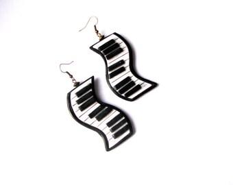 Music lover gift, White earrings, Gift for musician, Music jewelry gift, Music teacher gift, Black white jewelry earrings, Musician gift