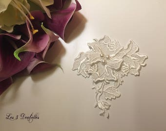 Fastener behind white lace Pearl wedding brooch * 3 lace *.