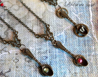 "Collier steampunk wonderland ""Spoon of the Past"" 3 couleurs"
