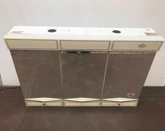 Old pharmacy NIGHTINGALE mirrors x 6 Vintage white Metal Cabinet