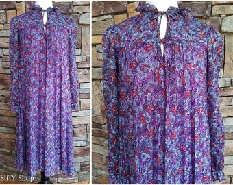 Loose fitting pleated purple floral dress with ruffled collar - large