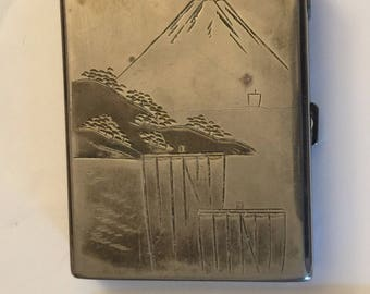 Dawn cigarette case with lighter from Japan