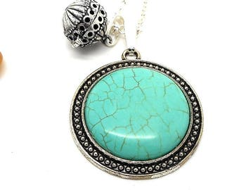A scent! Necklace has perfume cameo imitation turquoise