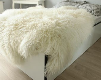 Luxury creamy white Sheepskin Throw | Furry Throw | Fur bed throw | Bed Throw | White bed throw | Sexto Sheepskin Rug