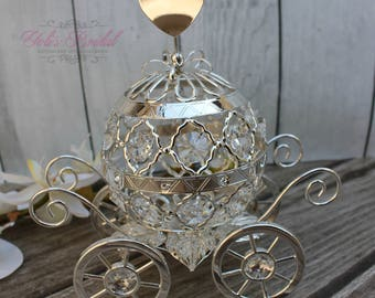 FAST SHIPPING!! Beautiful Swarovski Cake Topper, Crystal Carriage Cake Topper, Cinderella Cake Topper, Wedding Cake Topper, Quinceañera