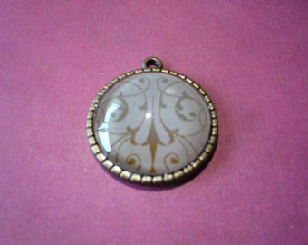 "Brass Tree Back Pendant 1"" by 1"" Chain included"