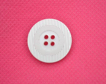 20mm diameter white button