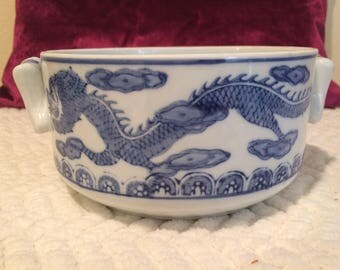Chinoiserie blue and white dragon bowl- vintage