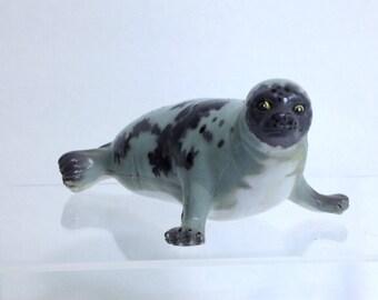 Vintage Ocean Grey Harbour Seal, Retired AAA Sea Creature Model for Classroom & Ocean Diorama Gray Seal