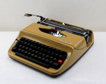 PRIVILEG 270 T 60s vintage typewriter Very good condition! Made in Germany Office Typewriter Very Rare!