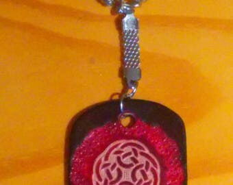 Keychain Celtic 4, red and black, engraved and painted by hand