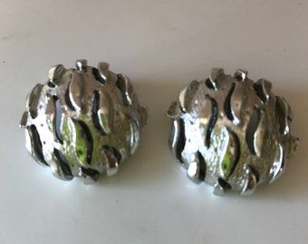 Vintage Coro - Atomic - clip on earrings. Round silvertone. One inch. Signed. 1960s  Very Cool
