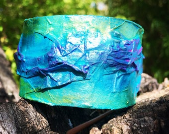Ring in papier mache turquoise, green and purple bracelet