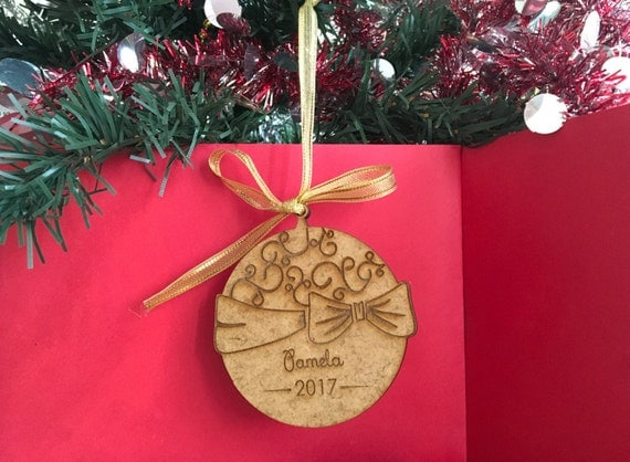 Laser Engraved Wooden Name Ornaments Personalized gift Wooden Christmas Baubles Christmas decoration Xmas Tree ornaments Personalized year