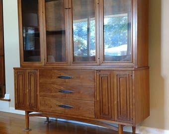 Mid Century Broyhill Sculptra Dining Cabinet / Hutch
