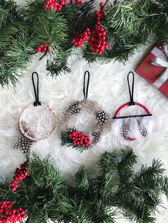 Red Christmas Ornaments, Christmas Gifts for Mom, Dreamcatcher Ornament, Small Feather Wreath Ornament, Rustic Dream Catcher Holiday Decor