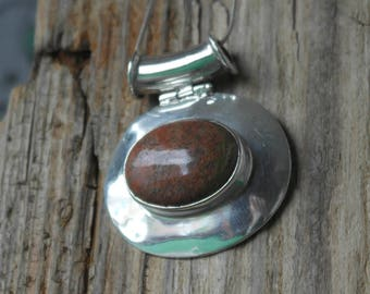 Vintage Sterling Silver Large Red And Green Jasper Pendant Necklace