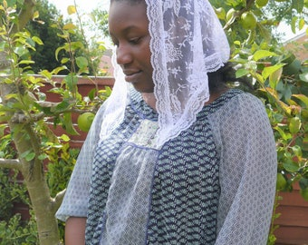 White Lace Triangle Mantilla Head Covering