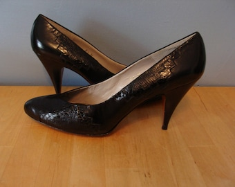 """Vintage Evan Picone Pumps 70's Black Heels Patchwork Snake Skin Size 8 1/2 M Classic Chic 1970's Made in Spain 3.5"""" Heels Fall Fashion Cool"""
