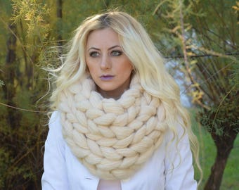 Chunky knitted scarf, Chunky knit scarves, Super chunky infinite scarves Chunky scarf Infinity scarf Mohair scarf Knit scarf,Christmas Gift