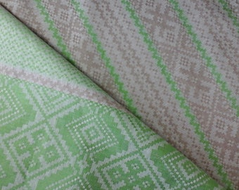 Green Jacquard Flax Linen Table Runner Mother Day Dinner Home Decor Tablecloth Table Topper Mother Gift Flax Linen Table Runner Geometric