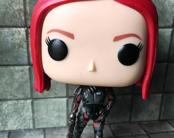 Simple customized female Commander Shepard (Mass Effect) Funko figure: female body