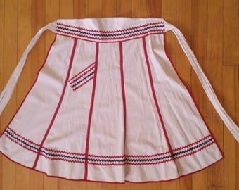 Red White and Blue Apron Ric Rac Vintage