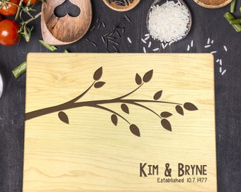 Personalized Wood Cutting Board, Wedding Gift, Gift for Couples, Gift for Her, Bridal Shower Gift, Mr & Mrs Gift, Newlywed Gift, B-0035