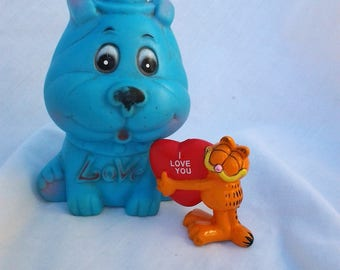 "Vintage Garfield ""I love you"" Figurine and Squeaky Blue Dog"