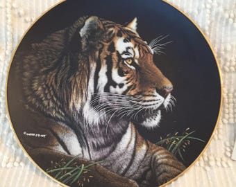 Hamilton Collection Siberian Tiger from the Nature's Majestic Cats Porcelain Plate Collection Limited Edition Made in USA